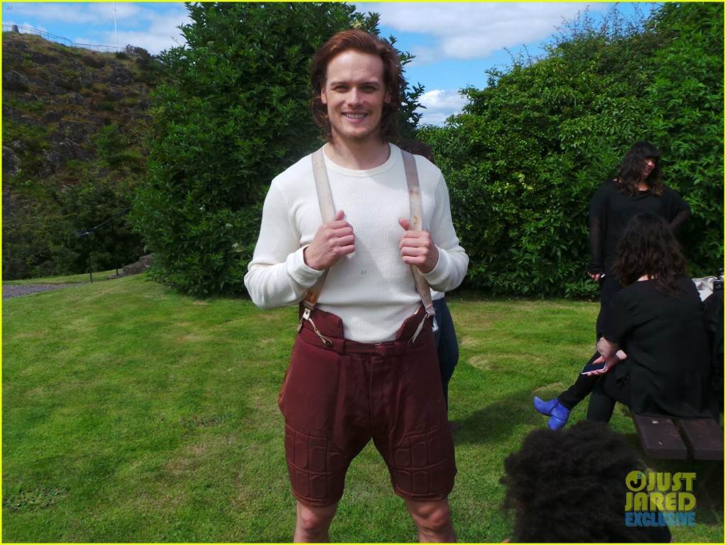 outlander-sam-heughan-jj-spotlight-behind-the-scenes-photos-03
